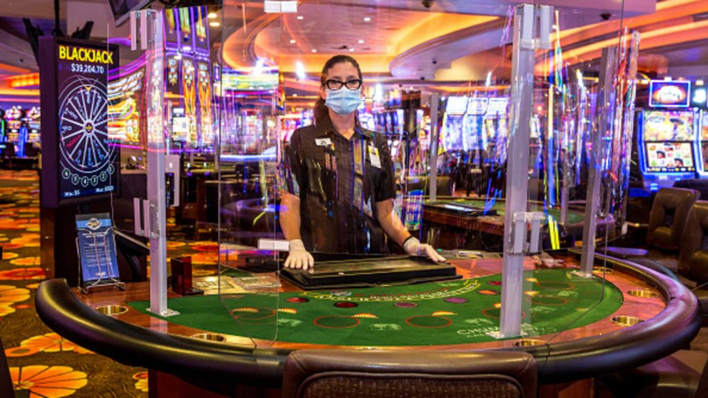Know the attractive regular bonuses offered by the casinos